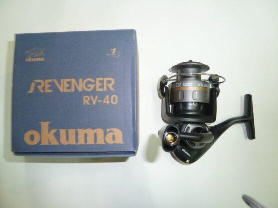 REEL FRONTAL OKUMA REVENGER40 1RUL-REL:4.5:1-CAP:200MX0.30M 3