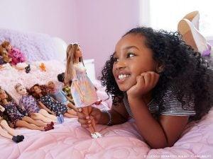 Muñeca Fashionista Barbie Curvy en vestido Tie Dye 8