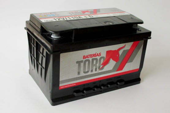 Bateria de Arranque Toro 120 Amperes 12V Auto Camioneta 1