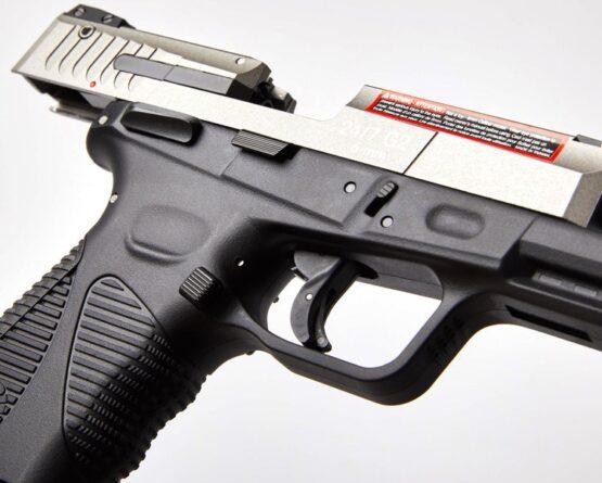 Pistola CO2 Cybergun Modelo Taurus 24/7 G2 19 BB'S 4