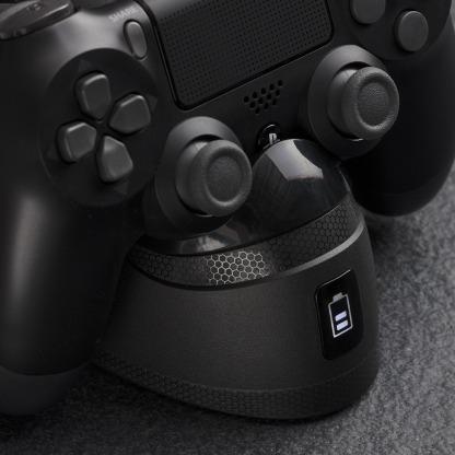 Estacion de carga para mandos de PS4 HyperX ChargePlay Duo 5