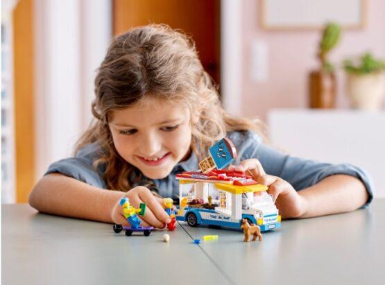 Camion de los Helados Lego City 3