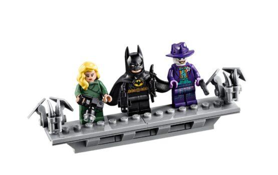 Lego DC Batman 1989 Batmobile 7