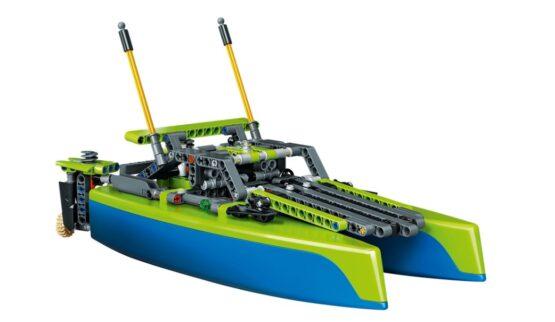 Lego Technic Catamaran 4