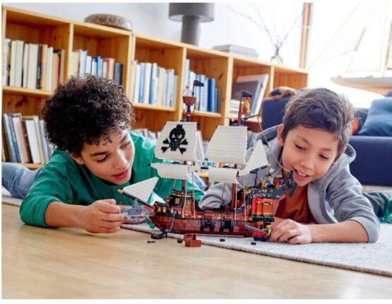 Lego Creator 3 en 1 Barco Pirata 7