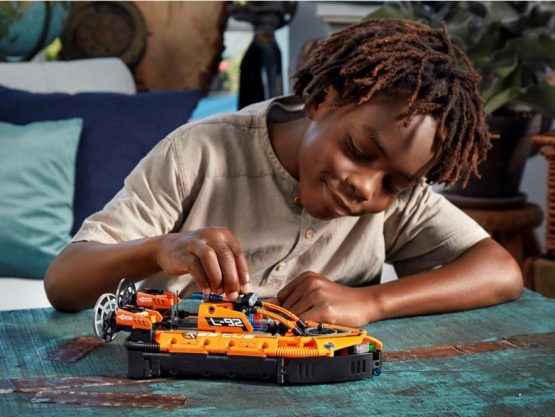 Set Lego Technic Aerodeslizador de Rescate 2 en 1 2