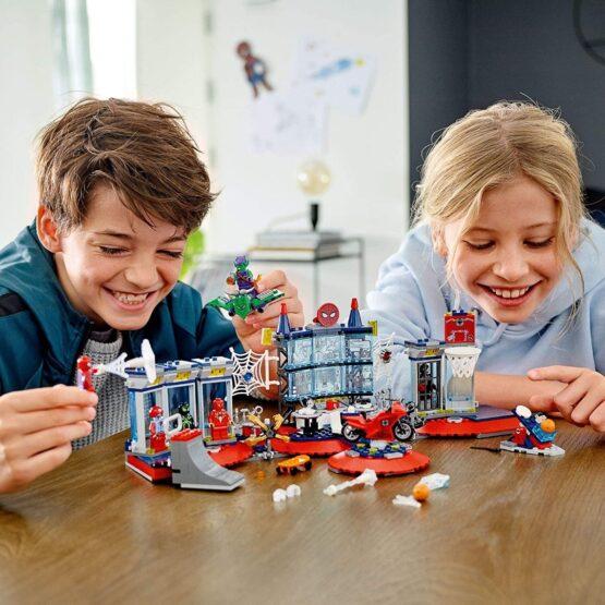 Lego Spiderman Ataque a la Guardia de Arañas 4
