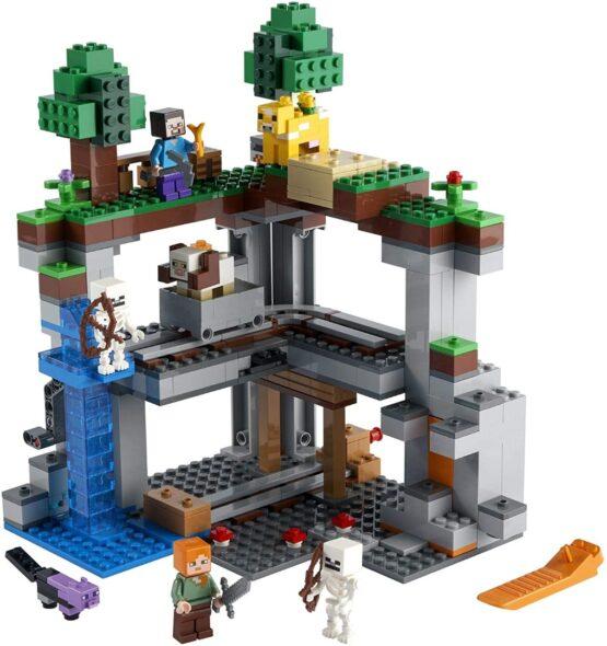 Lego Minecraft The First Adventure 3