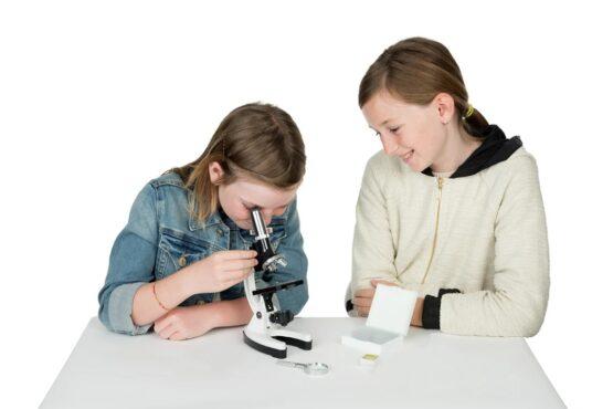 Kit de Microscopio Celestron Basico para Niños 4