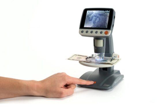 Microscopio Celestron Digital LCD Infinitiview 4